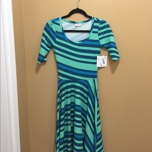 LuLaRoe Nicole dress Xxs NWT. Accepting all offers